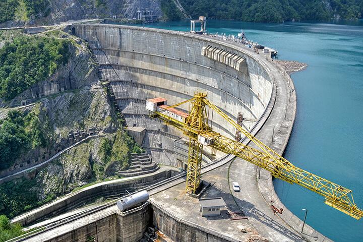 ダムの工事